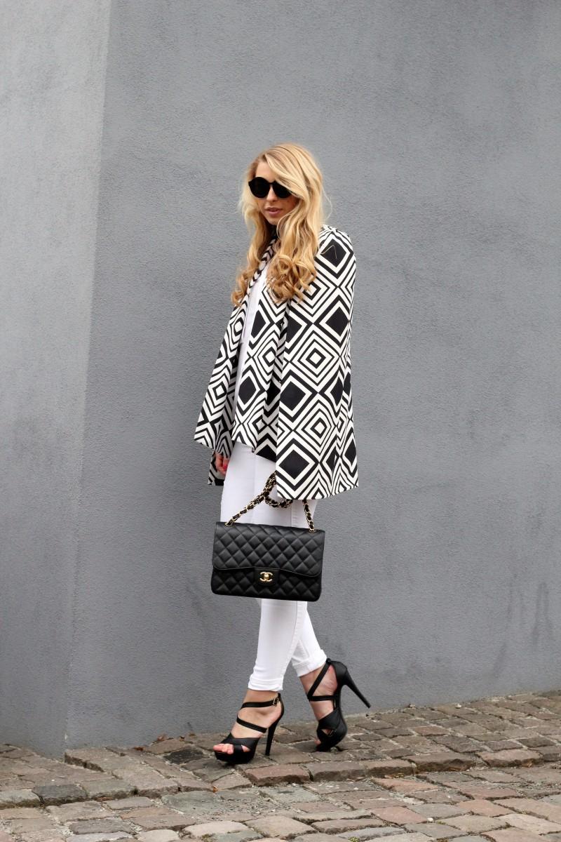 Chanel Blogger