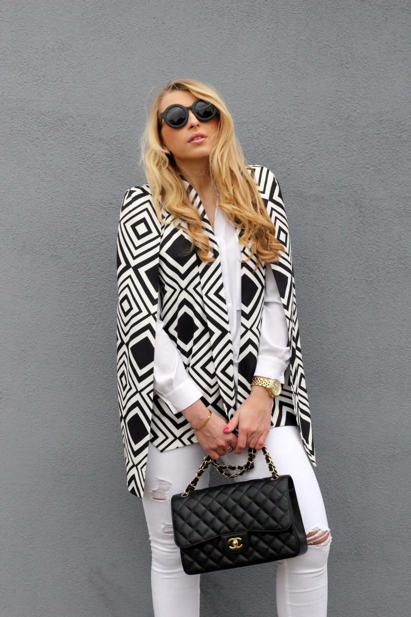 Chanel Streetytle Black White